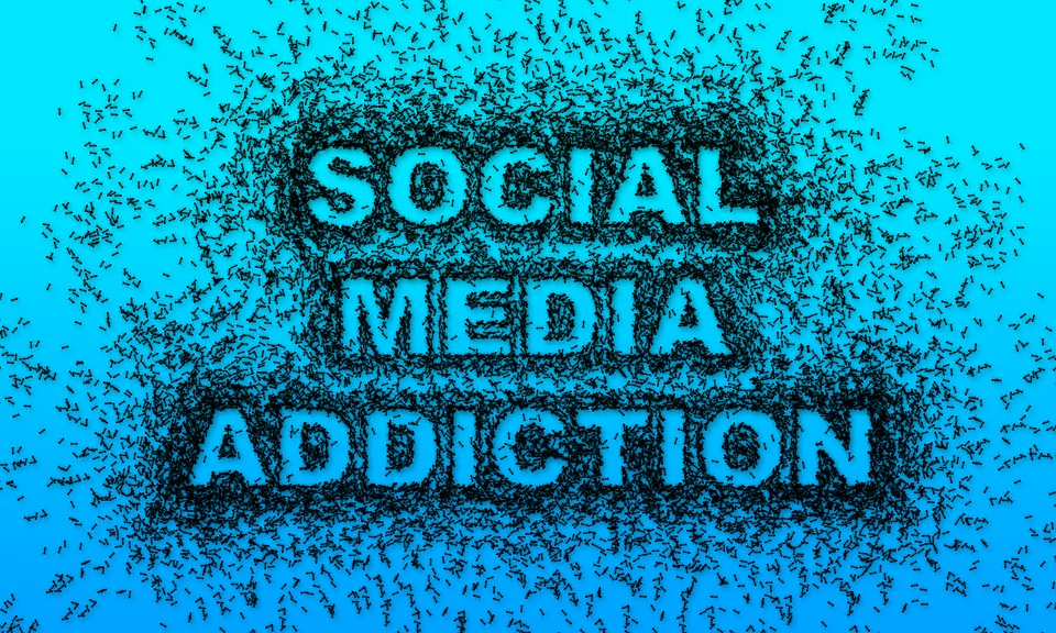 social media addiction smartphone phone